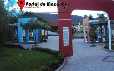 Portal-praça-macaubas06
