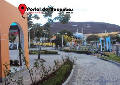 Portal-praça-macaubas09